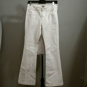 White House Black Market Blanc Jeans